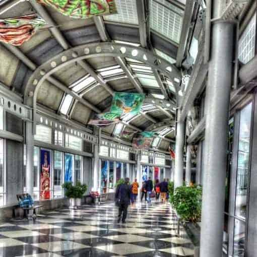 Bridge walkway between Terminal 1 and 2 at Chicago OHare airport