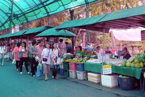 Walking through Taling Chan market
