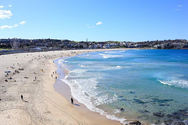 5 Must Do Activities at Bondi Beach