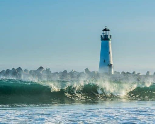 Walton Lighthouse in Santa Cruz via unsplash